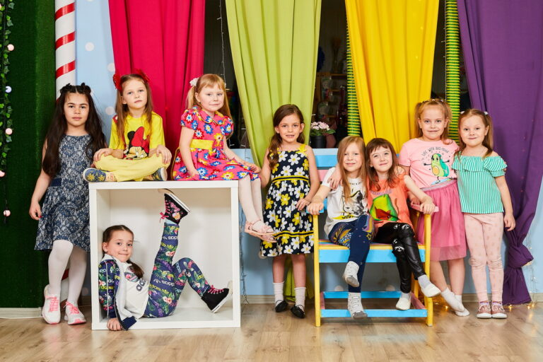 Фотосессия выпускников детского сада в студии